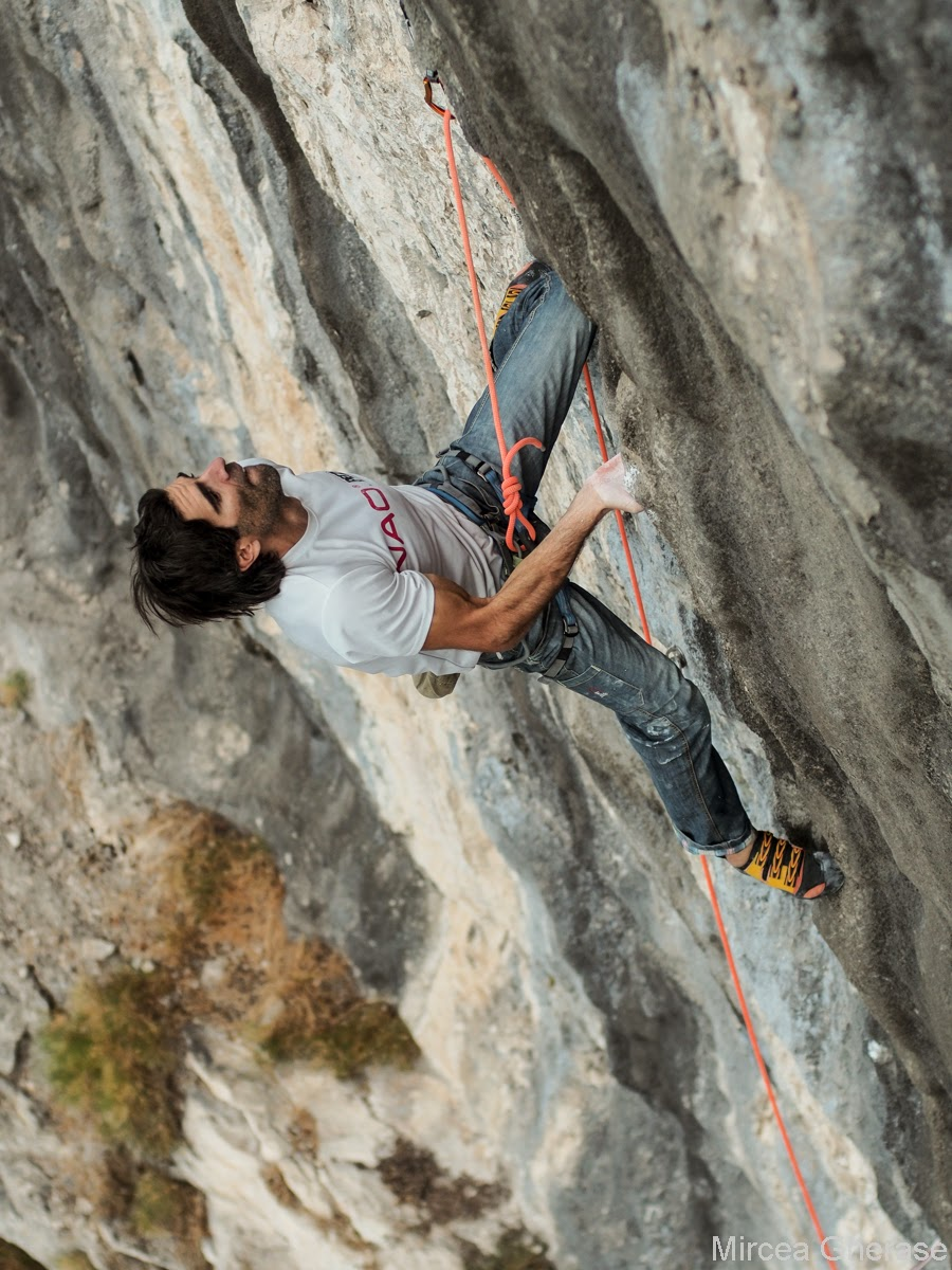 Dani Andrada checking the routes