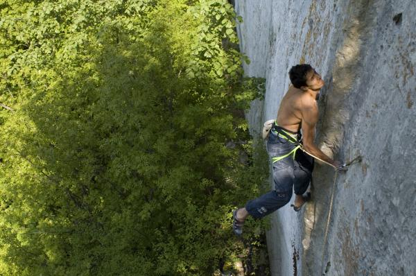 Fazata in Tufa King Nothing - 8a