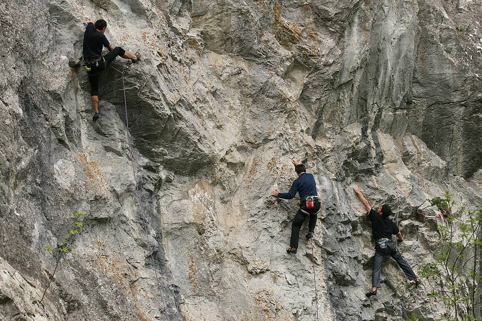 Climbers on Corabia, AmiRalu and In deriva